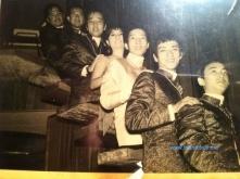 từ trên: Hoàng Liêm, Ngọc Chánh, Elvis Phương, Ngọc Mỹ, Pat Lâm, Lưu Bình, Duy Khiêm