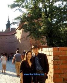 Vợ chồng Lê Hoàng Hoa – Trúc Quỳnh tại Ba Lan