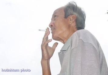 Ảnh Phạm Minh Cảnh do Hồ Tĩnh Tâm, một thân hữu chụp