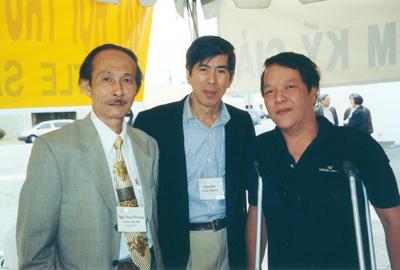 Từ trái qua: Ngọc Hoài Phương, Trương Trọng Trác, Việt Dzũng (Hình: NHP)