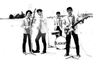 Ban nhạc The Black caps,Minh Phuc – Ngoc Tung- Billy Hung- Quoc Huy