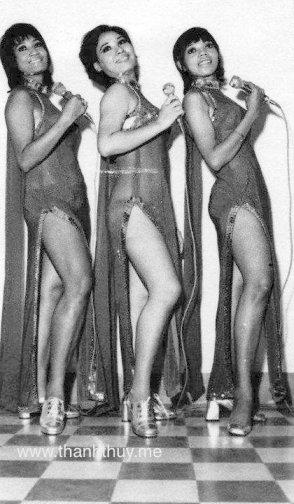 Bộ ba Carol Kim, Xuân Trang, Pauline Ngọc đang trình diễn cho một Club Mỹ năm 1974