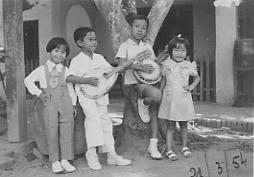 Bốn người con của Trần Văn Khê (Vĩnh Long1954)