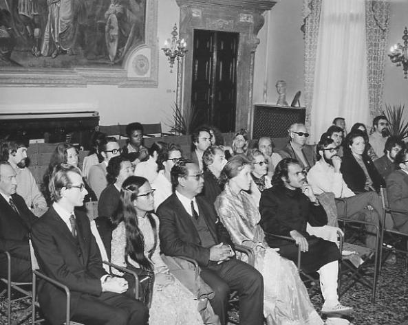 Trần Văn Khê và con gái Trần Thị Thủy Ngọc đang dự đại hội liên hoan nhạc tại Vicenza, Ý (1971)