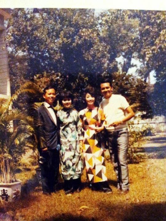 Hai anh em nhạc sĩ Đăng Hà (phải) và Đăng Tiến (trái).ở Sài gòn.