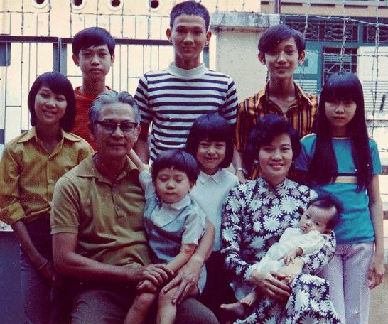 Gia đình Phạm ở cư xá Chu Mạnh Trinh