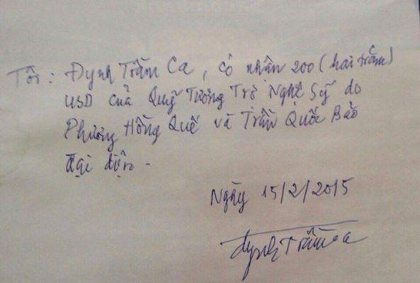 Chữ ký Đynh Trầm Ca trên giấy biên nhận đã lãnh quà