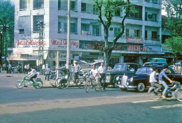 Tiệm kem Mai Hương góc Lê Lợi-Pasteur