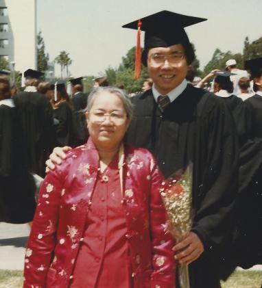 Nhà Văn Việt Hải và Thân Mẫu