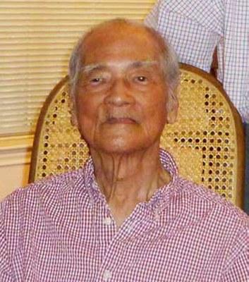 Nhà văn Mặc Đỗ 95 tuổi, hình chụp tháng 10/2012. Hình do anh Trần Huy Bích cung cấp.