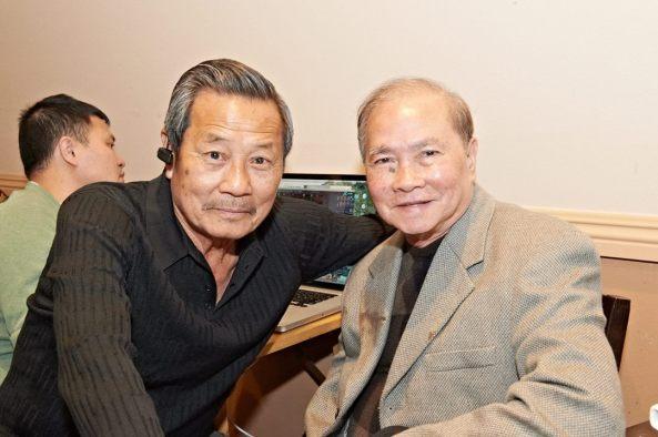 Ca sĩ Phương Đại (phải) và anh Lê Quí Đình (thân phụ Lynda Trang Đài). Đêm nay anh Lê Quí Đình và nhà hàng Hàng Me giúp đỡ BTC rất nhiều. Trân trọng cám ơn những chân tình quý báu đó.