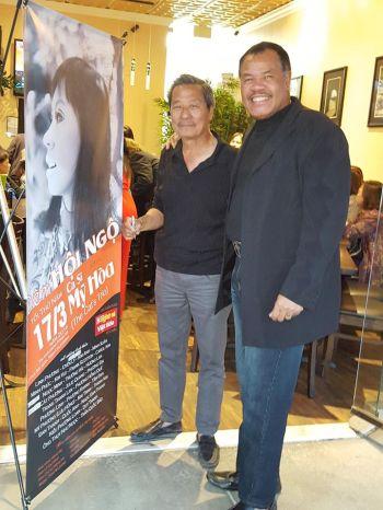 Anh Lê Quí Đình, người giúp rất nhiều BTC đêm nay và bên phải là ca sĩ Quốc Anh