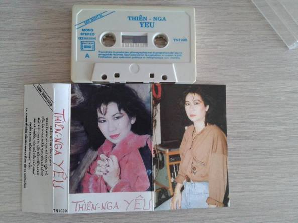 Băng nhạc Tiếng Hát Thiên Nga Yêu do cô và nhạc sĩ Albert Tambicannou thực hiện năm 1990