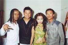Quốc Việt, Philip Huy, La Sương Sương, Tiến Huy tại Majestic trong 1 show nhạc do Quốc Việt tổ chức năm 2003