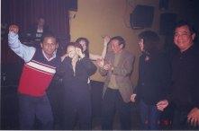 Đây là khoảng thời gian năm 2001, Lưu Quốc Việt đang cộng tác với Bleu Club trong vai trò MC, ca sĩ
